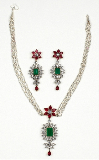 Indian inspired emerald jewelry