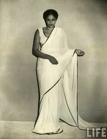 1920s-indian-saree-sari-life-magazine-iconic-images-photography-black-and-white-fashion