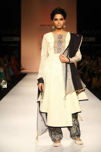 A dupatta from Payal Singhal's Taj collection showcases her focus on jaali work.