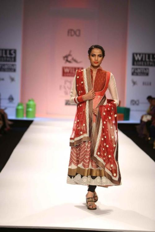 Ekru by Ekta & Ruchira, AW 2013, Wills India