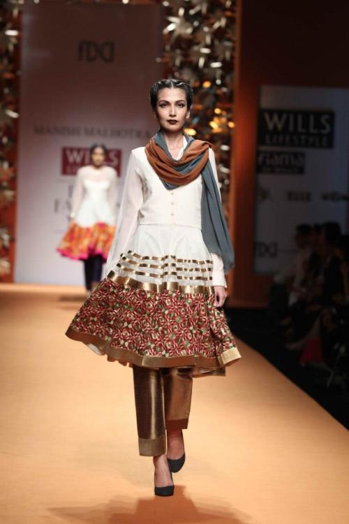 Manish Malhotra Wills Lifestyle Fall 2013 Collection, Phulkari embroidery