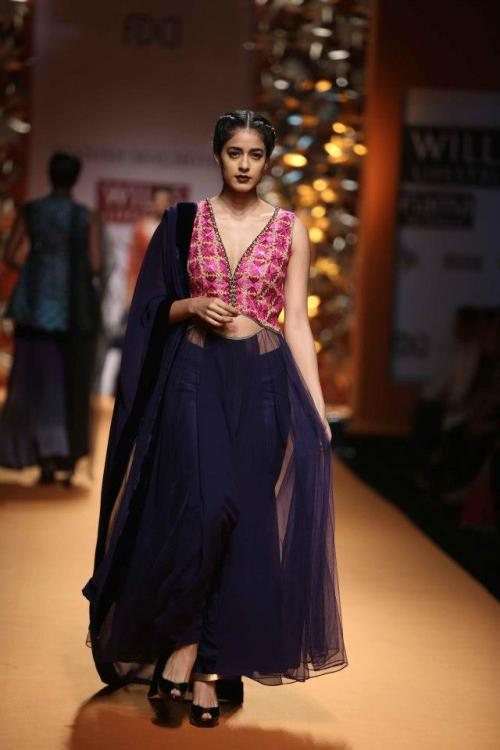 Manish Malhotra Wills Lifestyle Fashion Week Fall:Winter 2013-1