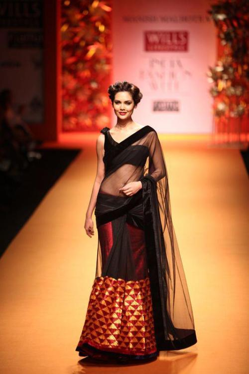 Manish Malhotra Wills Lifestyle Fashion week FW 2013, Phulkari Threads of Emotion