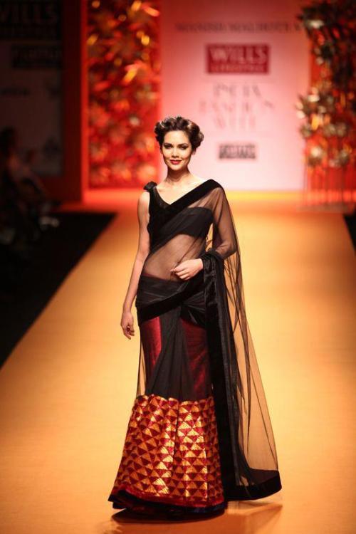 Manish Malhotra Wills Lifestyle Fashion week FW 2013, Phulkari Threads of Emotion