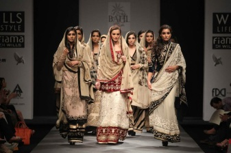 VIneet Bahl FW 2013 Collection- WIlls LIfestyle 2