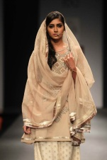 Vineet Bahl FW 2013 collection- Wills Lifestyle Fashion Week 9