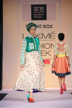 Karishma Shahani's show featured a turquoise turban to offset a gypsy chic flowy dress.
