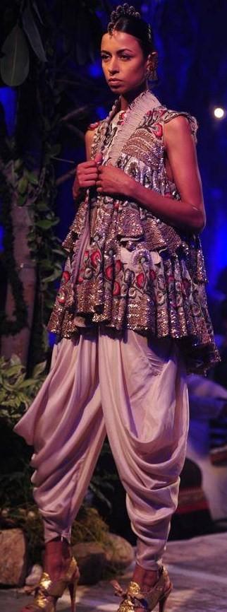 Anamika Khanna's showing at Delhi Couture Week