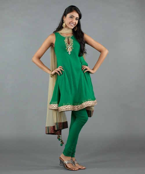 Kisneel salwar on Luxemi