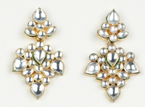 Luxemi's kundan earrings