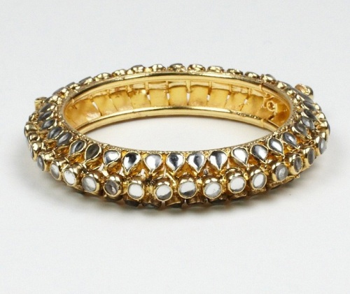 Luxemi's kundan bangle