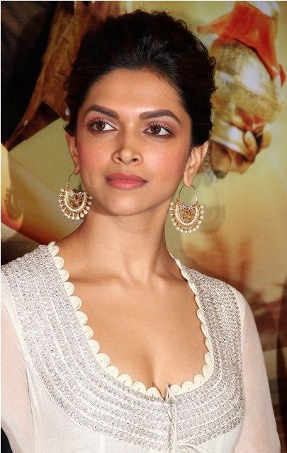 Deepika Padukone wearing Amrapali