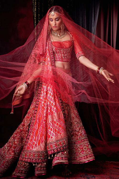 tarun tahiliani at bridal fashion week
