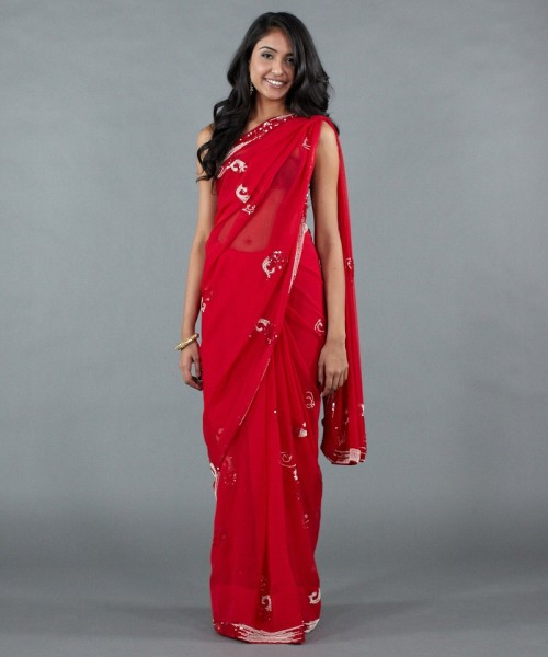 Luxemi's red sequin saree