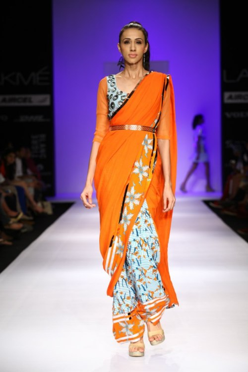 Sprucing up a conventional saree