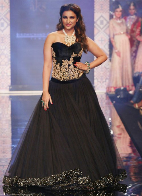 18iijw-parineeti-chopra2